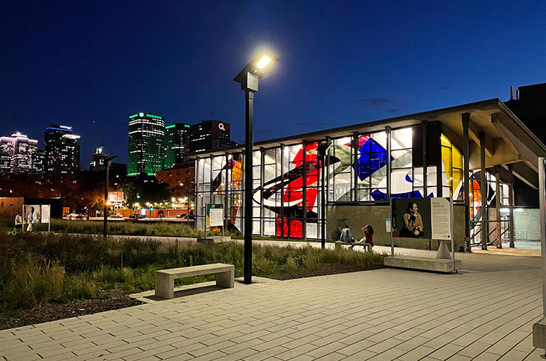 Montreal urban solar area lighting