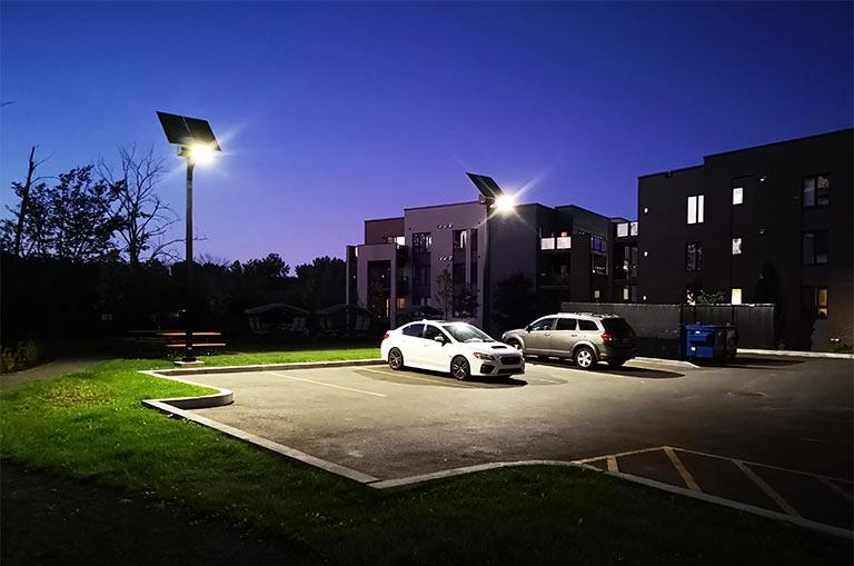 Parking lot solar lighting system TX300